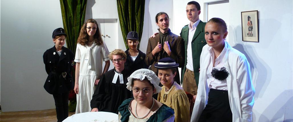 """Theaterstück """"Arsen und Spitzenhäubchen"""" aus dem Jahr 2014."""